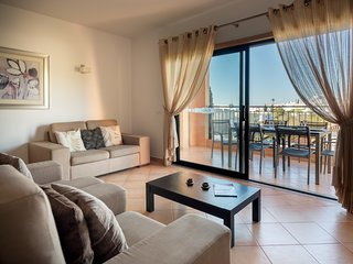 Baia da Luz 25-2A - Sea View 2+1 Penthouse Apartment