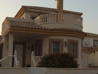 Luxury 3 Bedroom, 2 Bathroom Detached Villa. Private pool, 2 Terraces, Solarium