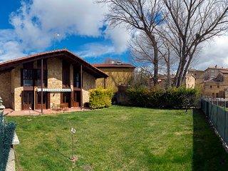 Chalet con 4 habitaciones, 2 banos, 9 plazas, jardin 500 m/2