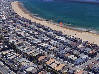 Oceanfront Family Beach Home! Spacious Patio on Sand! Sleeps 8!(68209)