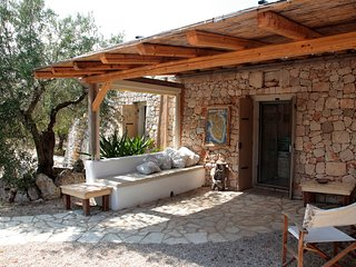 Rota Grande, traditional old stone villa, 2km away  from the white sandy beaches