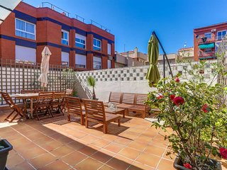 Sunny 2bed with terrace close to Plaza España