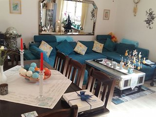 Apartment 384 m from the center of Hanover with Internet, Parking, Balcony, Wash