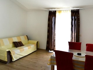 One bedroom apartment Duce, Omis (A-8378-b)