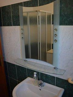 Bathroom 2, Surface: 6 m²