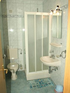 Bathroom 2, Surface: 3 m²