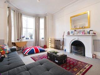 In London with Internet, Garden, Washing machine (923618)