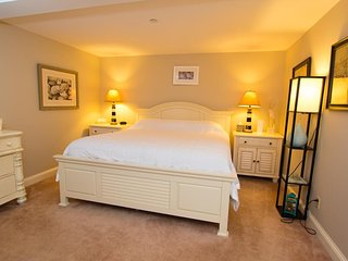 King Room with Sea View 305  in Sheepscot Harbour Village Resort