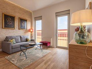 Sevilla Alquila Suites Jardines de Murillo con piscina climatizada - Alcazar