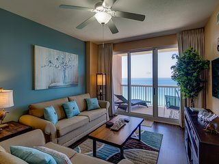 Beach Front Condo (Sleeps 8) Now Booking Mar-Dec2019