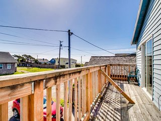 Dog-friendly, oceanview home close to downtown and the beach!