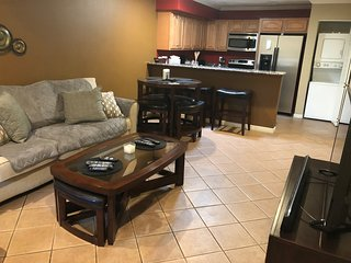 Fully Equipped 3 Bedroom Condo, perfect for your stay in PHX