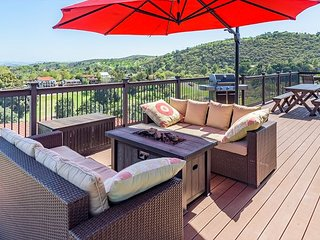 Highland Park Panorama--Your Window to the World of Paso Robles Wine Country