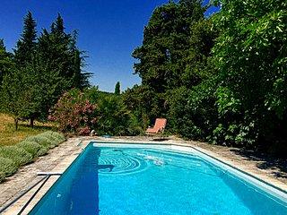 Charmante maison en pierre en Drôme Provençale avec piscine privée.
