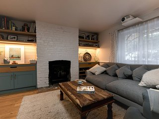 Beautiful 2 BED garden apartment