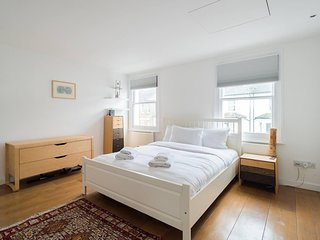 Modern 2 Bedroom Home in Clapham, 4 guests