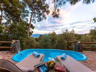 Villa Rock Akyaka Daily Weekly Rentals