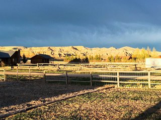 'Painted Hills Estates' - Gateway to Yellowstone!