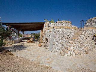Rota Piccola traditional old stone villa, 2km away  from the white sandy beaches