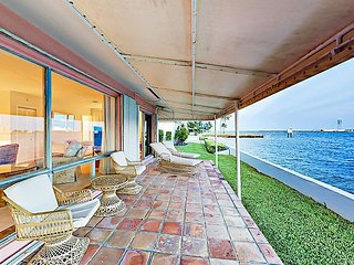 Waterfront 2BR/3BA w/ Pool, 2 Master Suites & Stunning Port Everglades Views