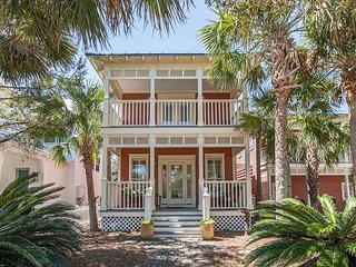 Old Florida Beach, 3BR Just Off 30A: New Pool House, Heated Pool & Grill Area