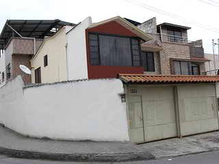 Full furnished 3 bedroom home. Full equipped.