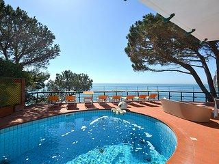 7 bedroom Villa in Marina del Cantone, Campania, Italy : ref 5228421