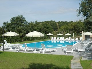 2 bedroom Apartment in Popoltaio-Schiacciato, Umbria, Italy : ref 5606841