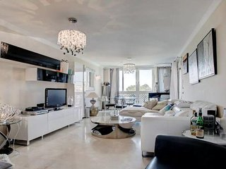 Modern 4 Bedroom Penthouse Near Beach In Cannes
