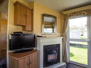 6 Berth caravan in Kessingland Holiday Parl Ref: 90022
