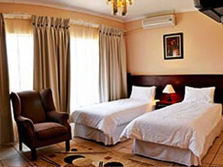Mambedi Country Lodge Self Catering 2