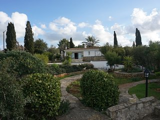 Villa Anthos in TepebasI ( Diorios )