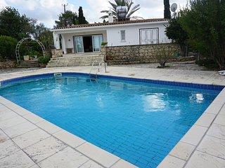 Villa Anthos in TepebasI ( Diorios )