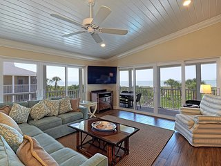 Surfside 12 C4 Beachfront Top Floor Luxury Vacation Rental. Pool/Tennis/Wifi