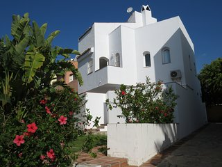 Maravillosa casa unifamiliar en Marbella a 5 min de Puerto Banus y de la playa