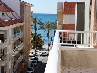 'SEA POOLS', cosy loft in the very heart of Torrevieja, 100 m from to sea. WIFI