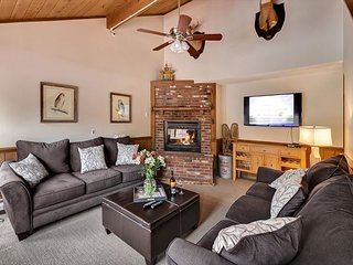 Deer Leap - Large 6 bedroom home with private hot tub in the heart of Killington