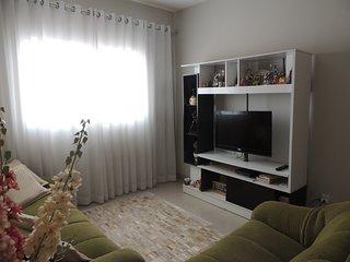 Casa inteira e confortável para sua estadia em Cuiabá
