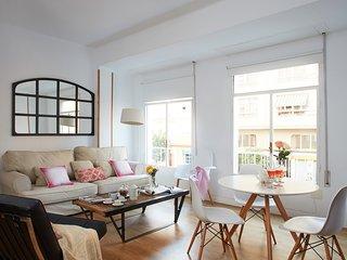 Two bedrooms apartment with parking (Cristo de la