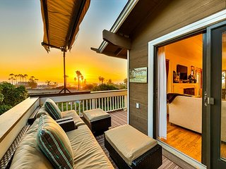 20% OFF APR/MAY - Del Mar Cottage Home, Short Walk to the Beach!