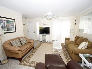 Charming Townhome Gulf Winds East #24 Free Golf, Parasailing, & Snorkeling!