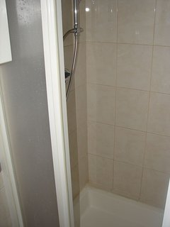 R5(2): bathroom