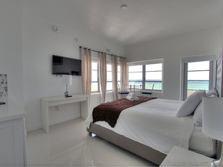 Shelborne 1207 with balcony and ocean view