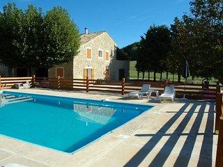 Gîte pour 4 personnes avec piscine privée