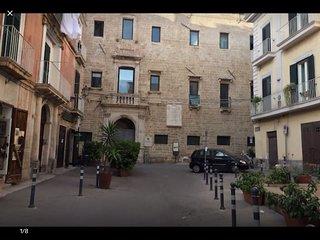 Caratteristico appartamento in pieno centro, a pochi passi da castello aragonese