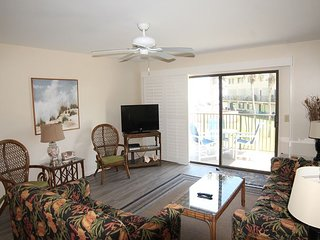 Upgraded Ocean View Condo, 4 Heated Pools, Flat Screens, Upgraded