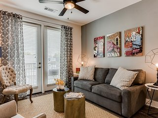 Fashionable 2BR|2BA Heart of Music Row