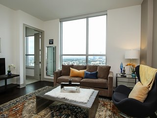 Ravishing | 1br/1ba | Museum District | Pool/Gym
