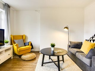 Chic 3 bed duplex apartment in East London