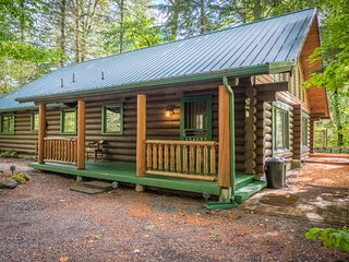 Knotty Bear Hideaway - 3 Bedroom